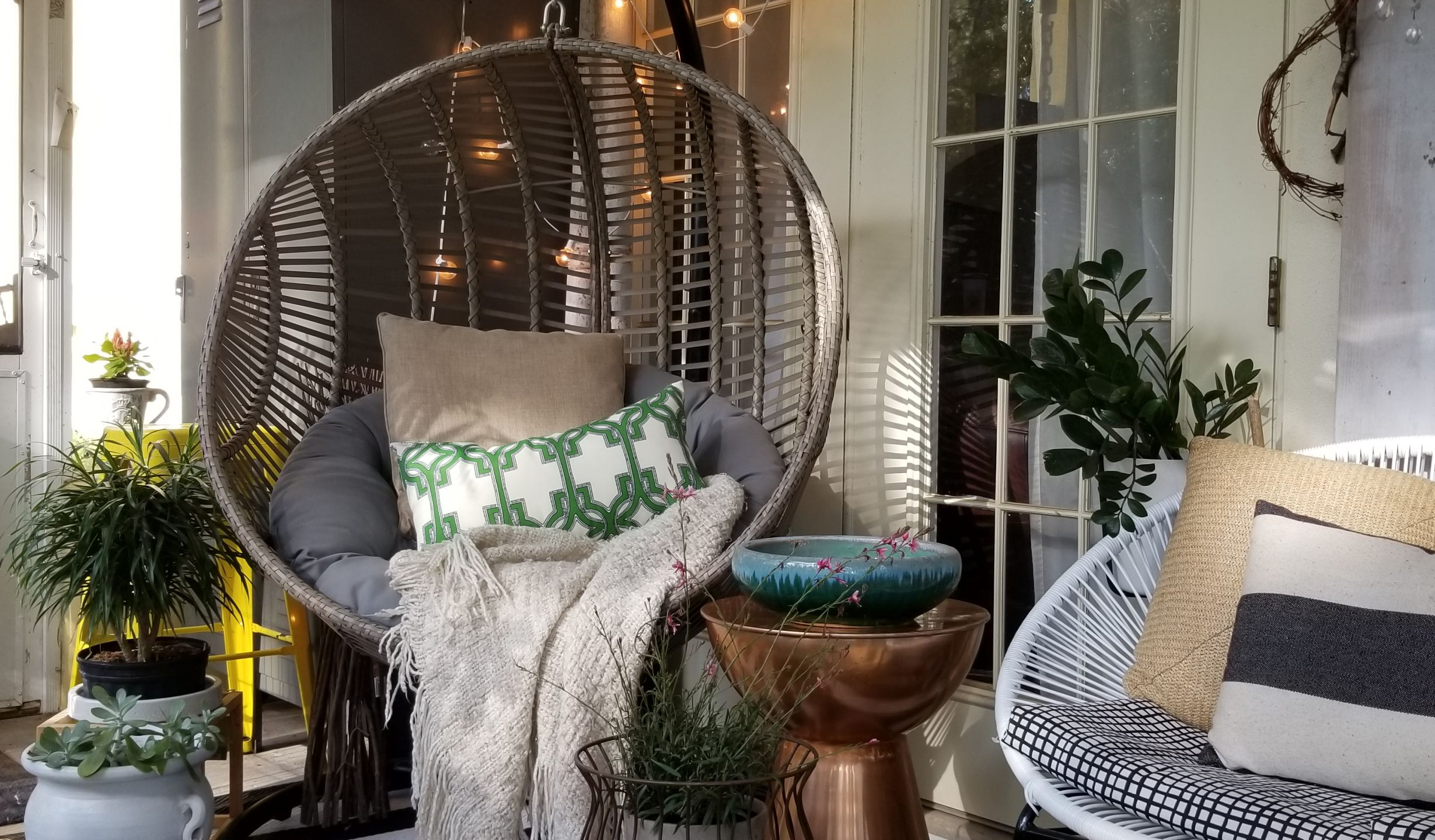 Hanging Chairs Were Everywhere This Summer Here S How To Get The