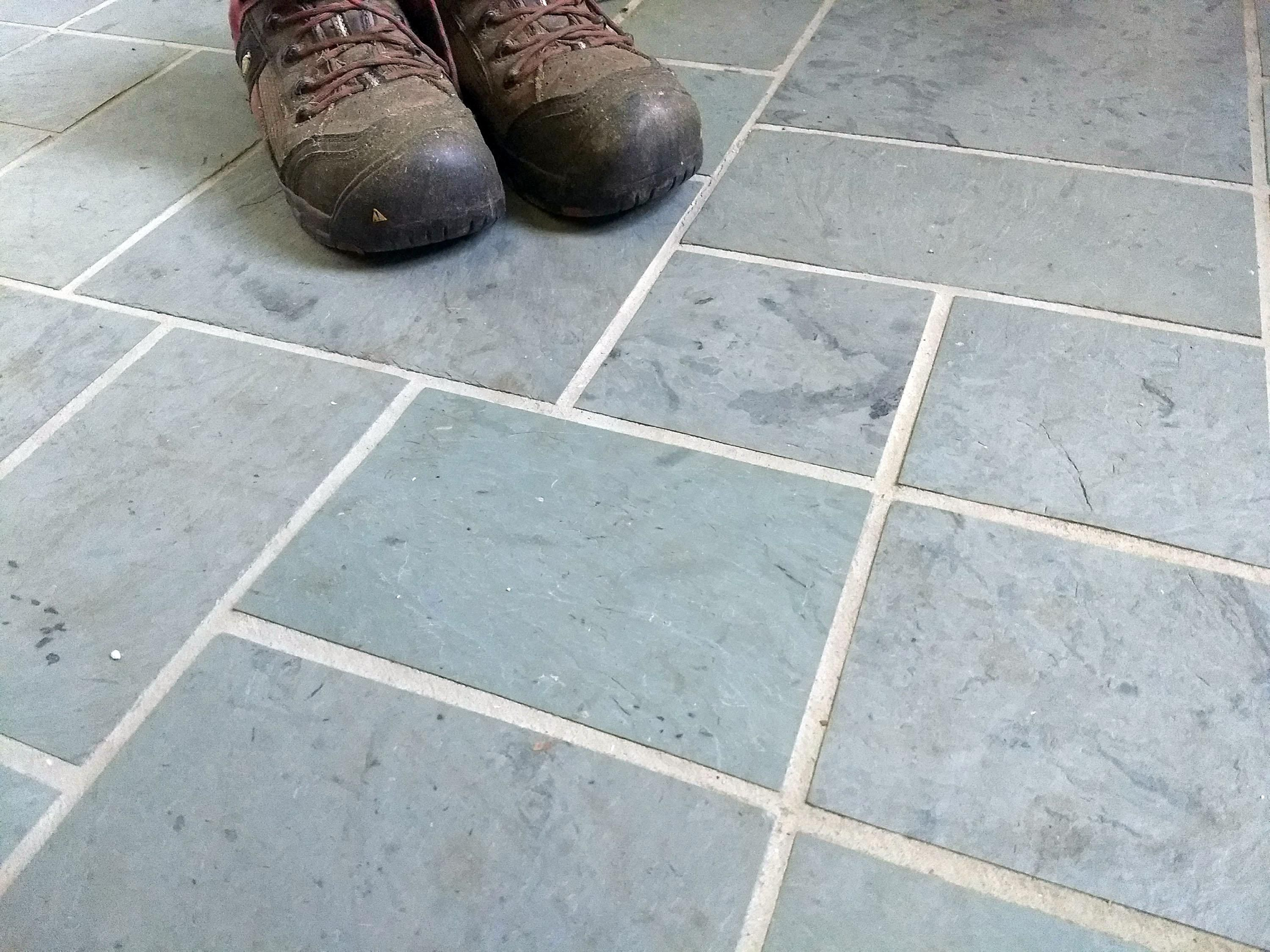 grout color on your tile floor